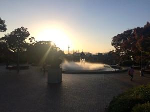 夕暮れ時の京都国立博物館。